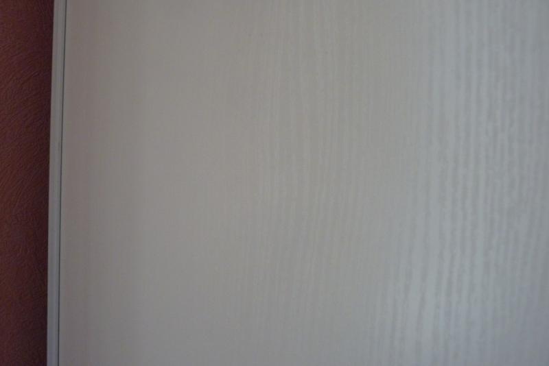 Peindre des portes de placards 767237maison005