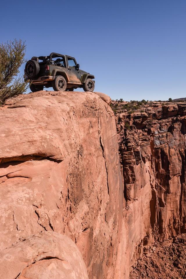 Nouvelle gamme Jeep Wrangler et Wrangler Unlimited 770035Jeep75th1048