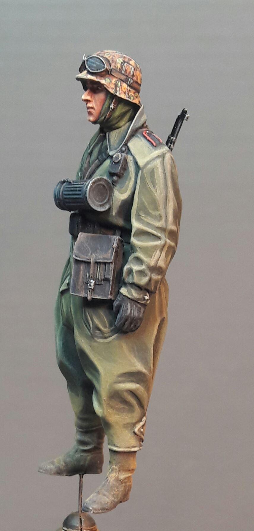 Zündapp KS750 - Sidecar - Great Wall Hobby + figurines Alpine - 1/35 - Page 3 7723171983005110211728378419494751973613o