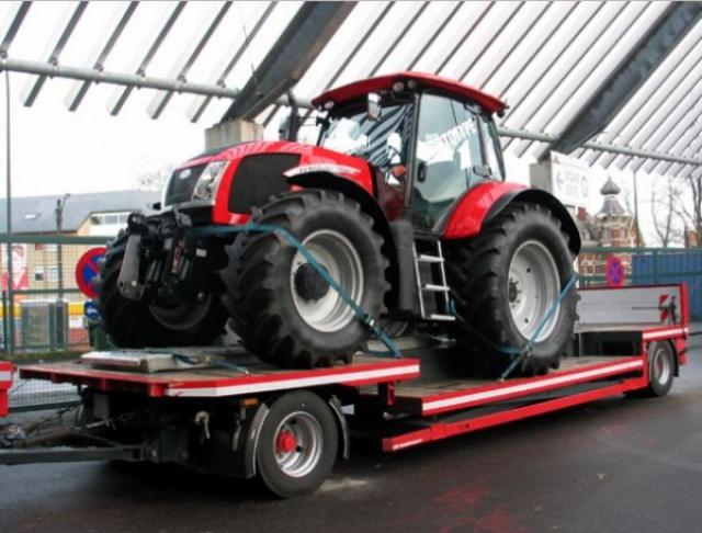 Photos de tracteurs Zetor  - Page 2 779559detailSchranka03