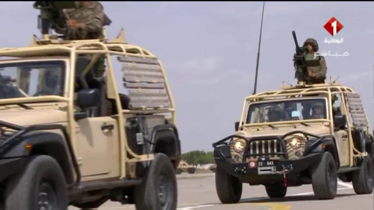 Armée Tunisienne / Tunisian Armed Forces / القوات المسلحة التونسية - Page 11 781811vlcsnap2017063018h53m57s166
