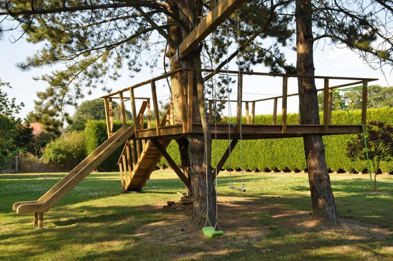 Projet de toboggant pour la cabane dans les arbres de mon fils, vos idées? - Page 3 783721Cabane28