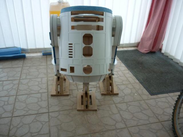 R2D2 Taille réelle par anakin 784486P1030031