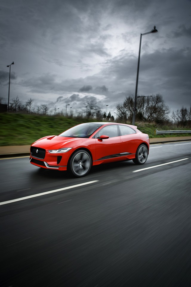 Le concept électrique Jaguar I-Pace dans les rues de Londres  787793ipacelondon005