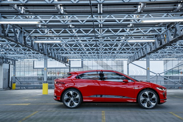 Le concept électrique Jaguar I-Pace dans les rues de Londres  791846ipacelondon050