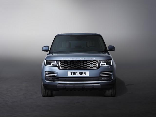 Le Nouveau Range Rover intègre dans sa gamme une motorisation essence hybride rechargeable 798160rr18mystatic10101701