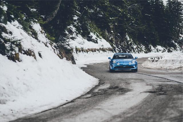 Alpine est de retour - A110, la voiture de sport française agile et compacte 7984078832316