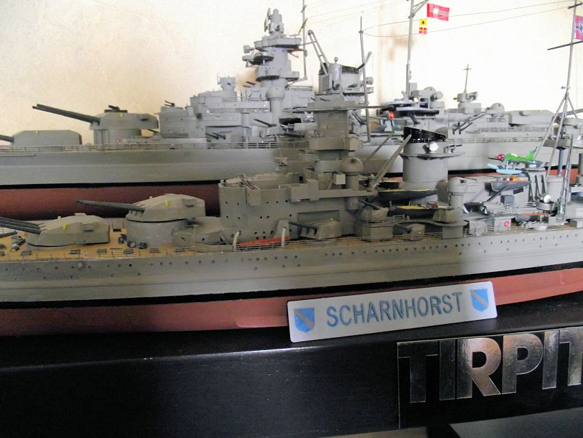 Croiseur de bataille Scharnhorst Heller au 1x400 800792Scharnhorst1x40021