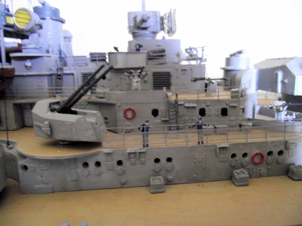 Bismarck 1/200 Trumpeter - Page 6 800897Bismarck1x200141