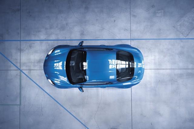 Alpine est de retour - A110, la voiture de sport française agile et compacte 8034368833316