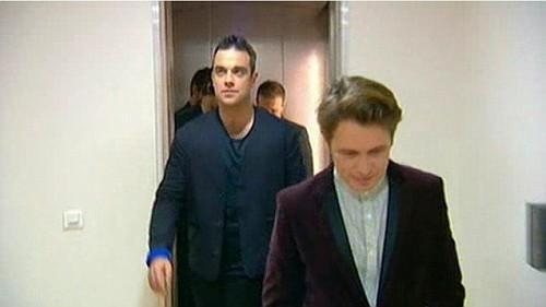 Take That au Grand Journal - 24/11/2010 80757400004931461305450467300507nvijpg