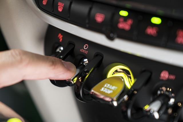 Agile, polyvalent, électrisant : le MINI Cooper S E Countryman ALL4 808178P90240756highResminicoopersecoun