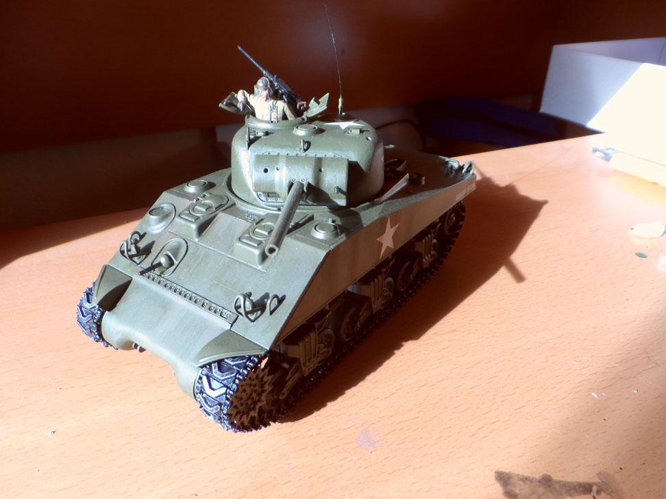 M4 Sherman late production Tamiya 1/35 - Page 4 810284SAM0427