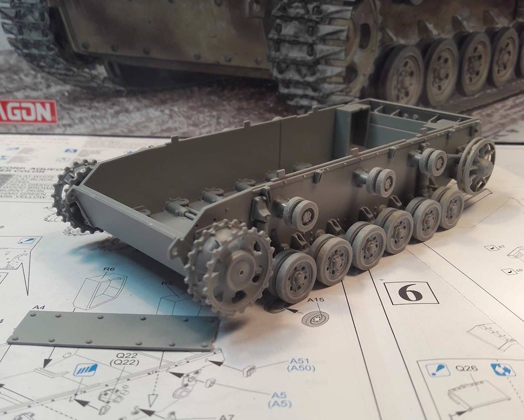 StuG.III Ausf.F/8 late production w/Winterketten - 1/35 813282Steps1to5A