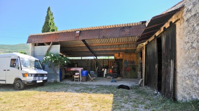 Chez Louis la Bricole 813842HangarLouisCypher5