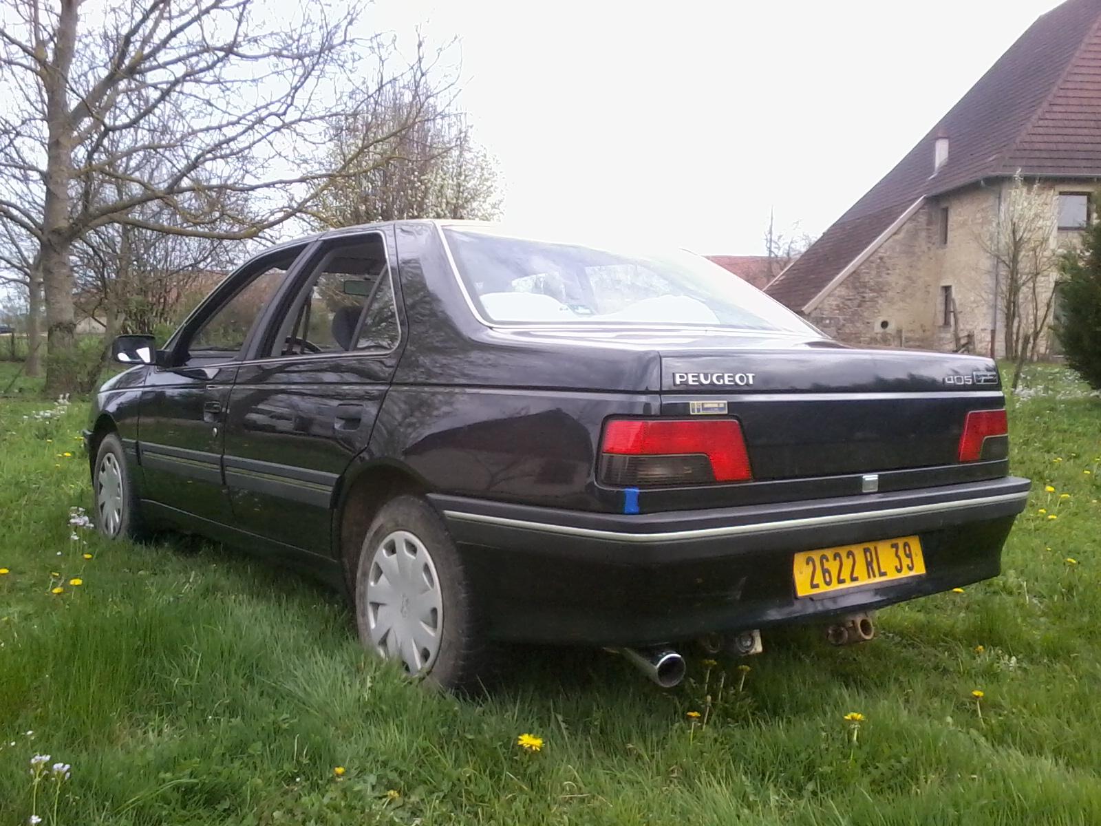 Présentation de ma nouvelle voiture, une Peugeot 405 Signature. 815877Photo0677