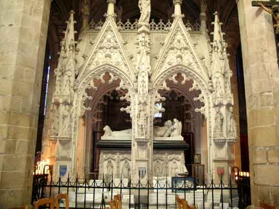 La flèche de la cathédrale de Tréguier         819138cathedraletreguier33