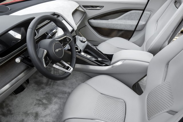 Le concept électrique Jaguar I-Pace dans les rues de Londres  819745ipacelondon069