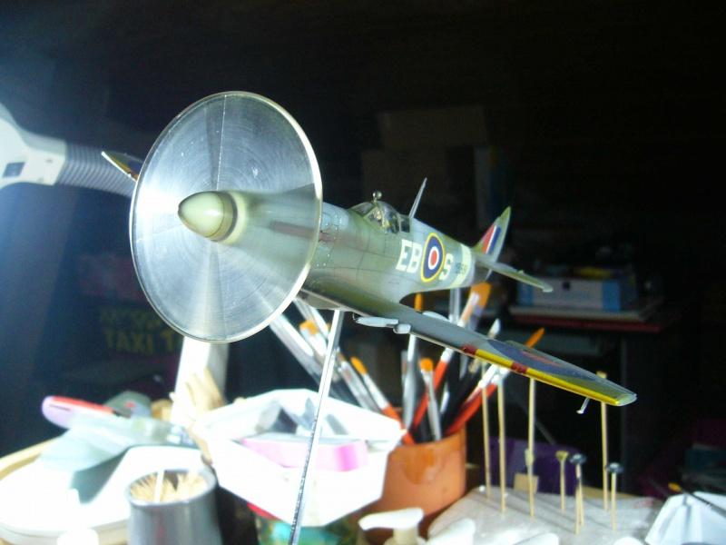 Spitfire XII du 41 RAF Sqn le 7 juin 1944, Airfix (projet AA) - Page 7 823684troisquarts