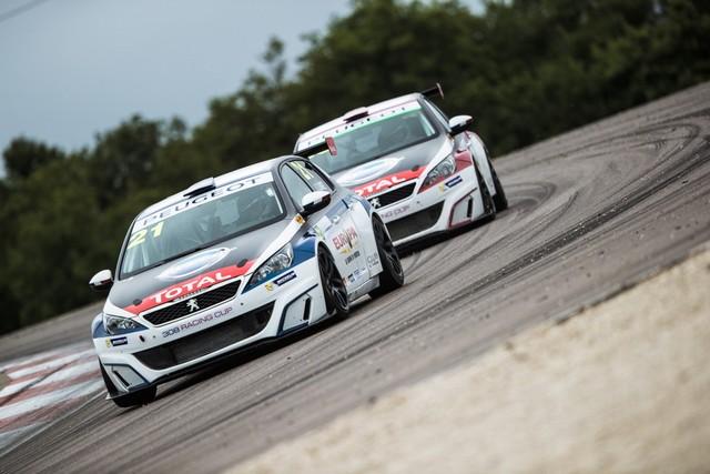 La Peugeot 308 Racing Cup Se Joue Des Conditions ! 82729859592ff189a2a