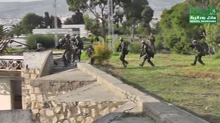 Armée Tunisienne / Tunisian Armed Forces / القوات المسلحة التونسية - Page 8 827486vlcsnap2016120712h38m37s983