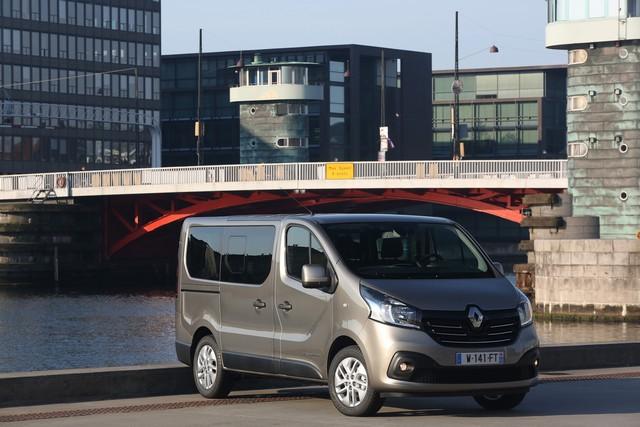 Nouveau Renault Trafic Combi : tarifs et gamme France 8299085840816
