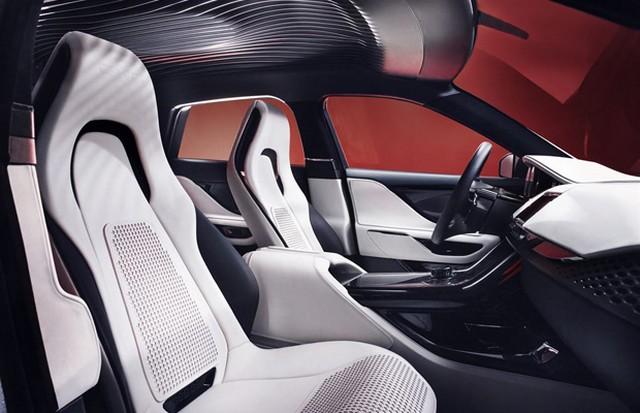 Jaguar C-X17 Concept Sport Crossover dévoilé au Dubaï Motor Show  836005jaguarcx17conceptdubaimotorshow7