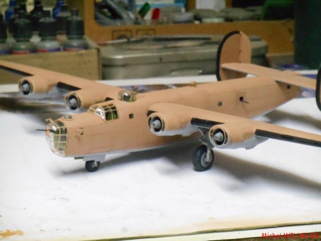 B24.D LIBERATOR kit 1/72 Revell 837320DSCN8503Copier