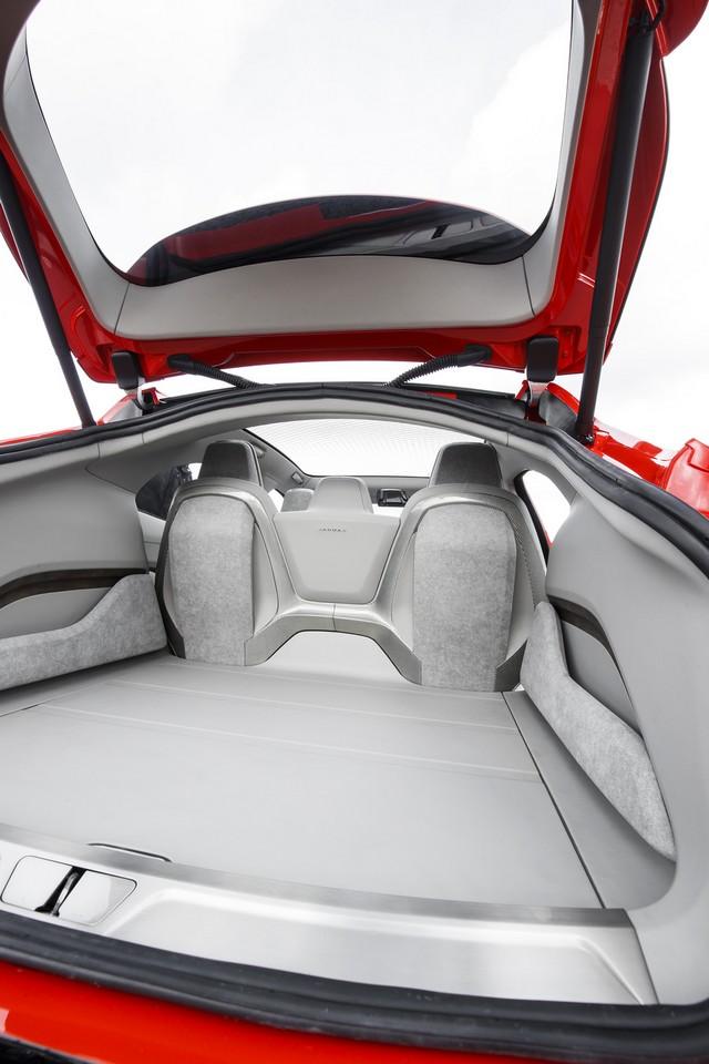 Le concept électrique Jaguar I-Pace dans les rues de Londres  838362ipacelondon073
