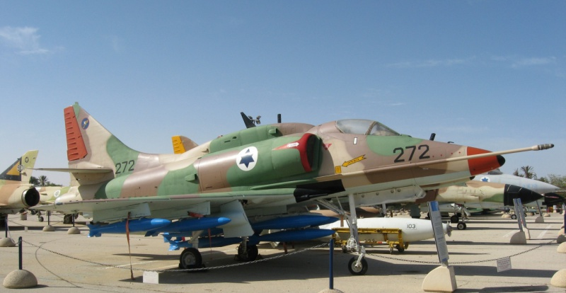 DOUGLAS A-4 SKYHAWK [NOUVELLE VERSION] 839016DouglasA4HSkyhawk5