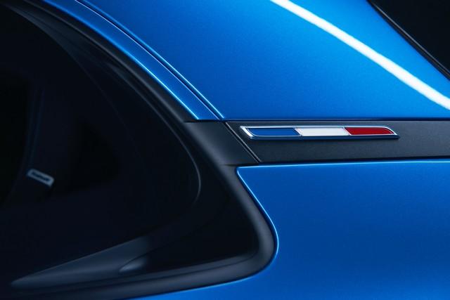 Alpine est de retour - A110, la voiture de sport française agile et compacte 8392308833616