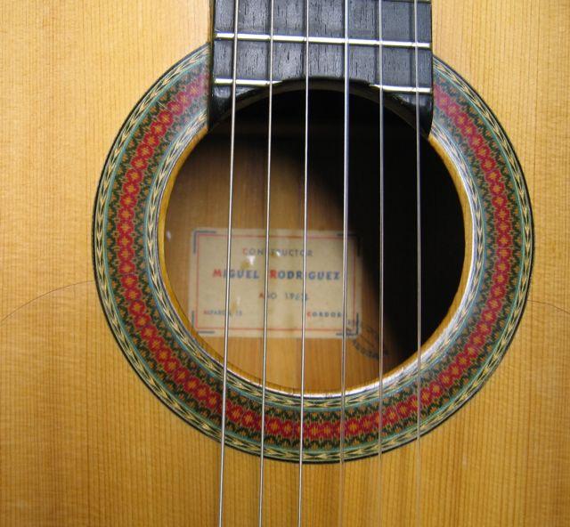 La guitare qui vous fait rever ? dream guitars - Page 3 841678Rodriguez67Rose