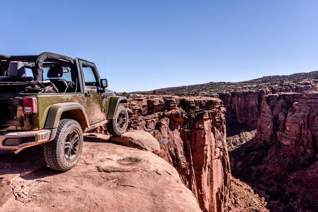 Nouvelle gamme Jeep Wrangler et Wrangler Unlimited 842369Jeep75th1054
