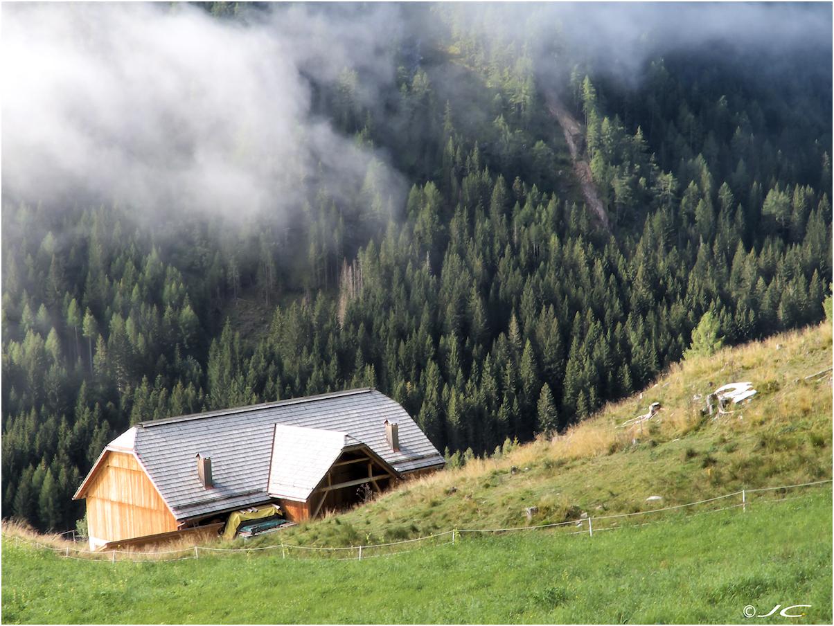 Les alpes  autrichiennes - Page 7 845649ferme