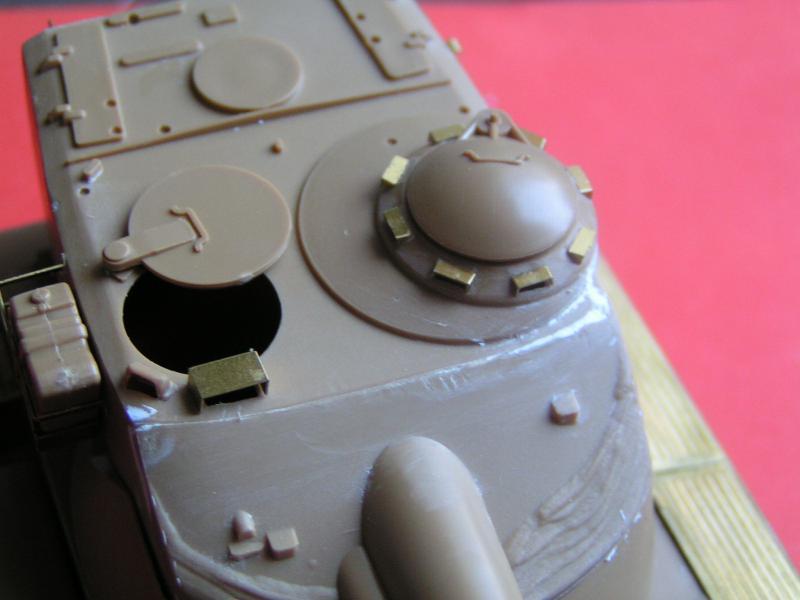 Conversion et détaillage de l'AMX 13/75 de HELLER au 35ème 849953PICT0023