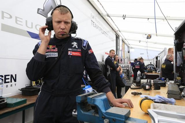 Sébastien Loeb et la PEUGEOT 208 WRX décrochent une belle deuxième place à Montalegre 85255358fc892aebc92