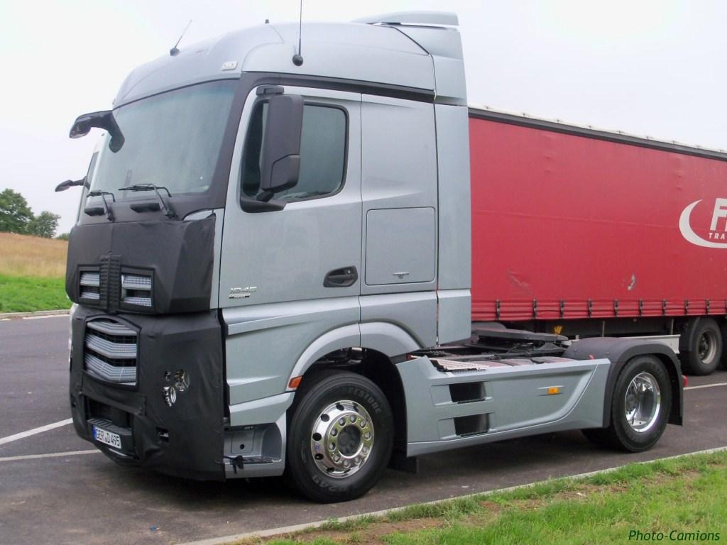 Mercedes Actros MP4 (euro 6 )  853459photoscamion25VI1117Copier
