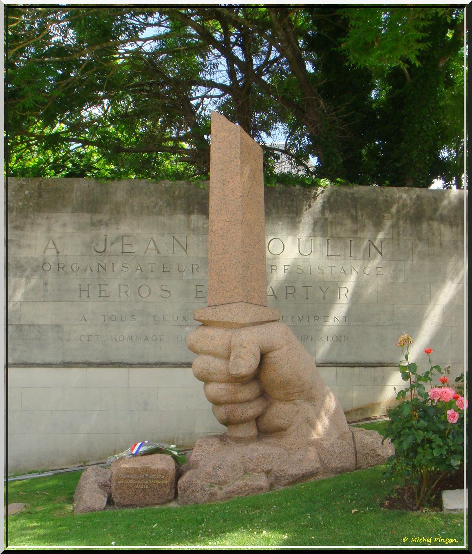 [Histoires et Histoire] Monuments aux morts originaux Français Tome 1 - Page 37 854120DSC012969