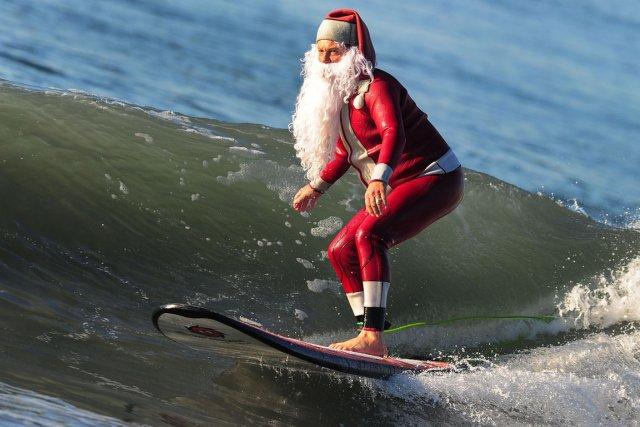 Photos droles ou cocasse du Père Noel - spécial fin d'année 2014 .... 854233avatb