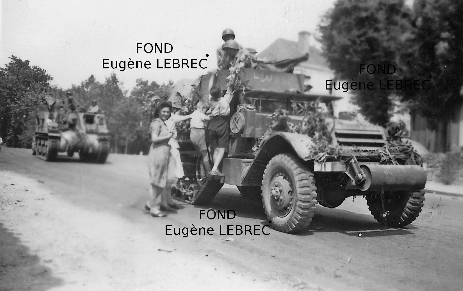Chateau Gontier (Mayenne), véhicules à identifier 85431322