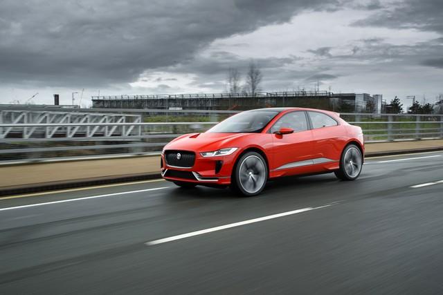 Le concept électrique Jaguar I-Pace dans les rues de Londres  858697ipacelondon007