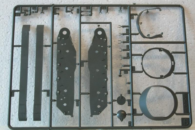 AMX 13 canon de 75 1/35ème Réf L 784 858805AMX1375784017Heller135