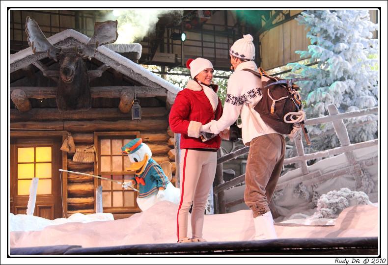 Spectacle Mickey et la magie de l'hiver - Page 3 861039IMG0697border