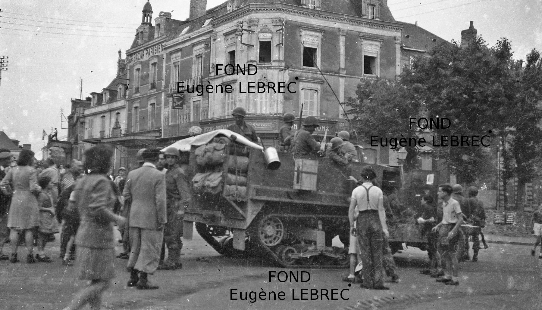 Chateau Gontier (Mayenne), véhicules à identifier - Page 3 86149410