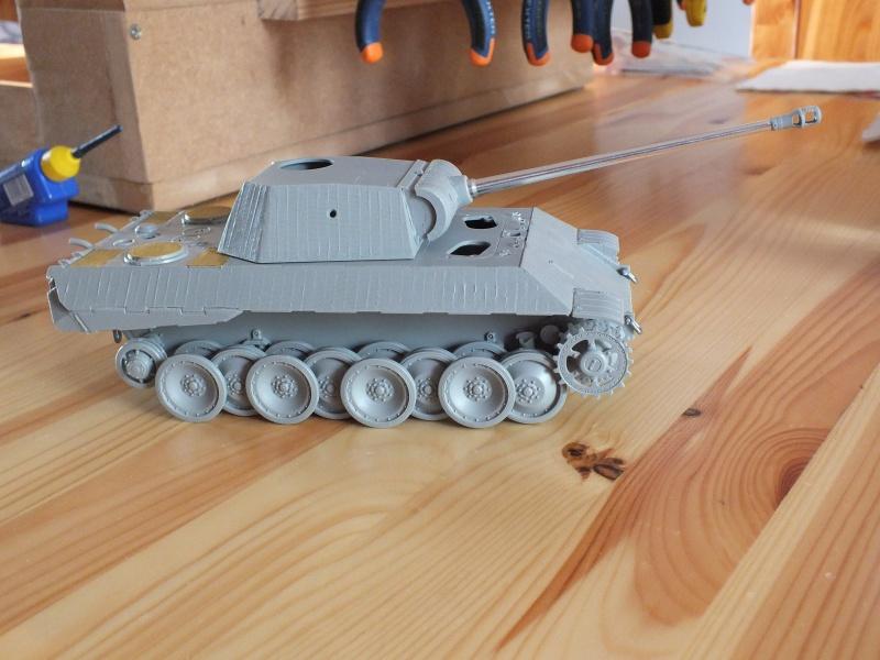 Panther Ausf D Dragon 1/35 avec Zimmerit réf. 6428 (FIN  DE PATINE , finitions lors de la  mise en place sur Dio) 871649DSCF5785
