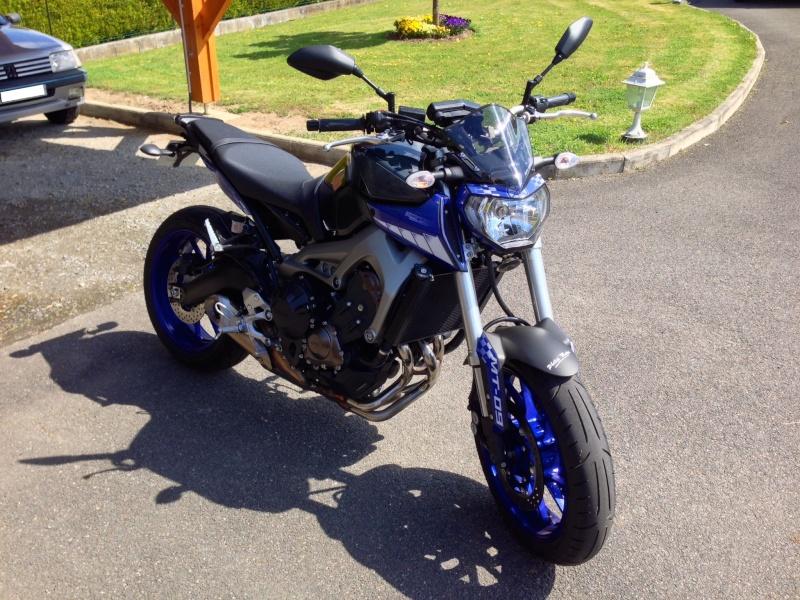 Photos de toutes les Yamaha MT-09 du forum ! :) 877911YKikitdadmission