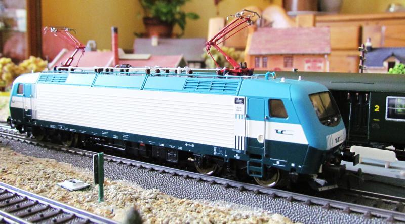 Une belle italienne en 3 rails chez Roco 883429IMG5781