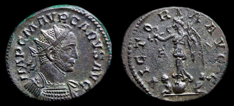 Image du triomphe au IIIe siècle, la Victoire sur un globe.  889619IMG2881