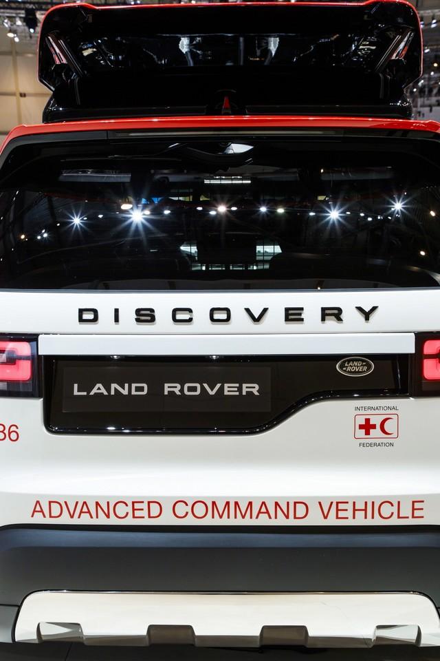 Project Hero, une version unique du nouveau Land Rover Discovery pour la Croix Rouge autrichienne  890106lrnewdiscoveryprojecthero07021732