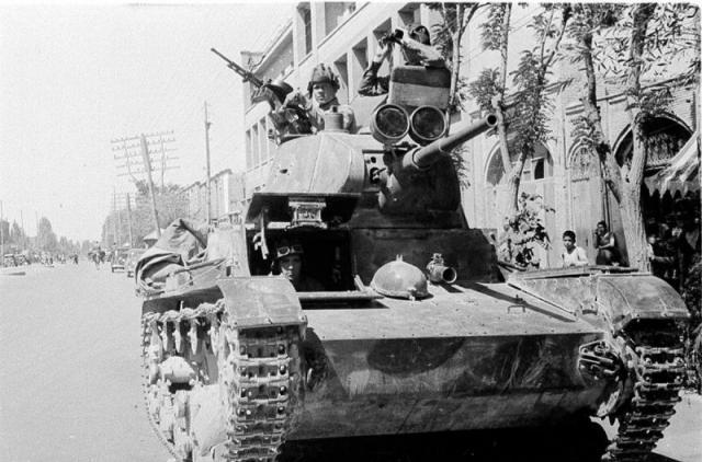 T-26 mod 37 Iran 1941 (Zvezda 1/35e) 892181t26iran
